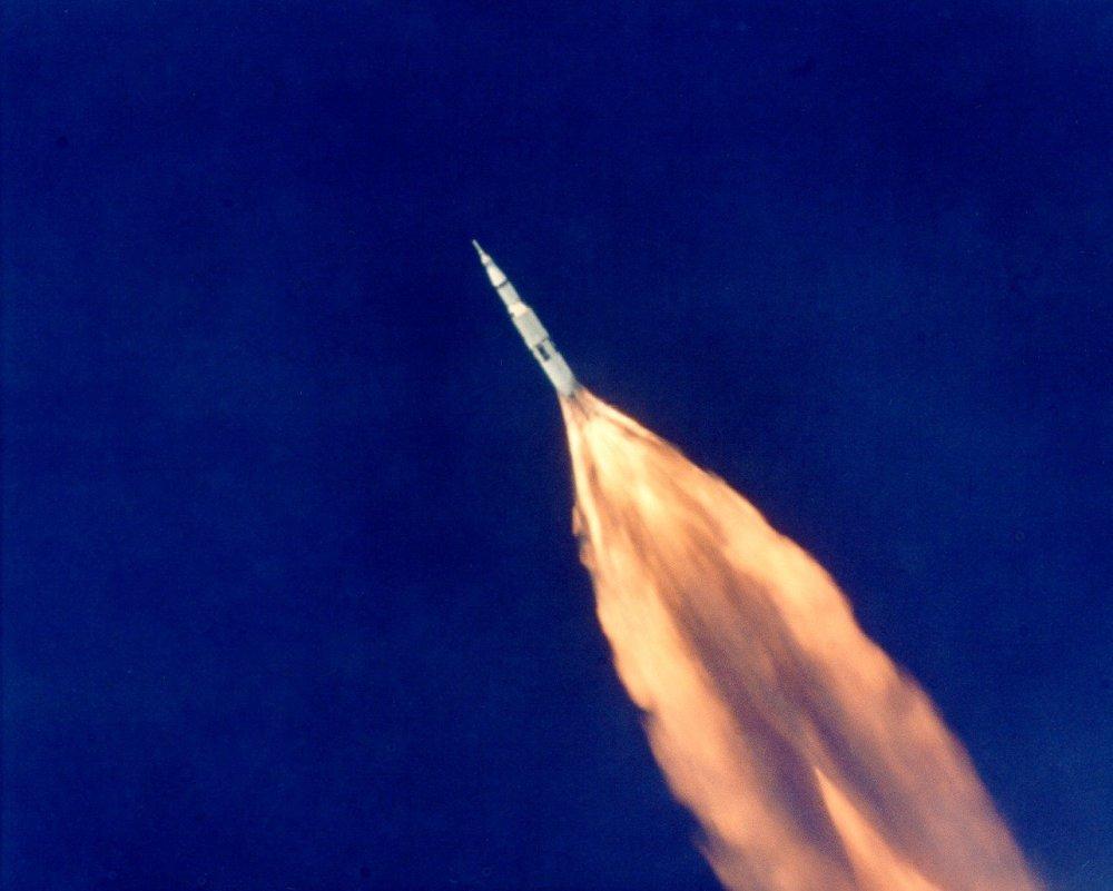 ALOTS_image_of_Apollo_11_launch_(69PC-413)