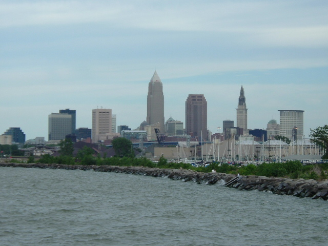 Downtown_Cleveland_from_Edgewater_State_Park